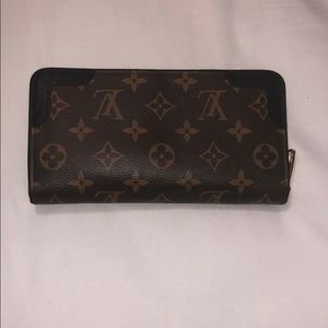 Louis Vuitton zip large wallet